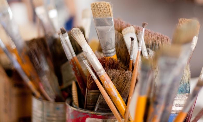 Como limpar pincéis para artesanato