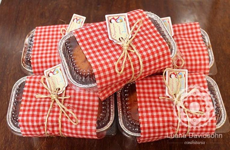 lembrancinha-de-maternidade-vermelha-bolo